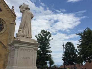 Statue de Farel devant la Collégiale